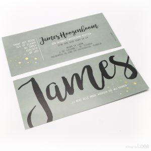 Stoer geboortekaartje speciaal ontworpen voor James, Vintage groen met zwart, wit en goud accenten.